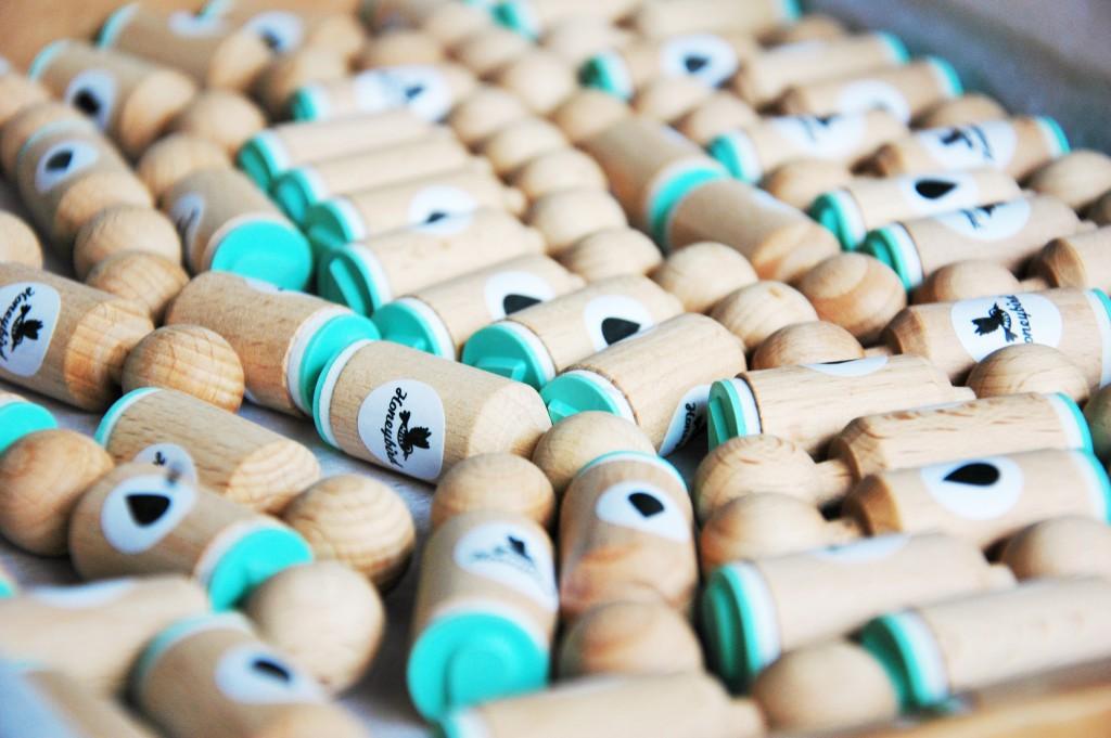 Tampons en bois de la créatrice Miss Honeybird, pour la box papeterie Saperlipapier