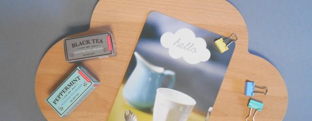 """Carte nuage Hello, gommes """"thé"""" et pinces pastels"""