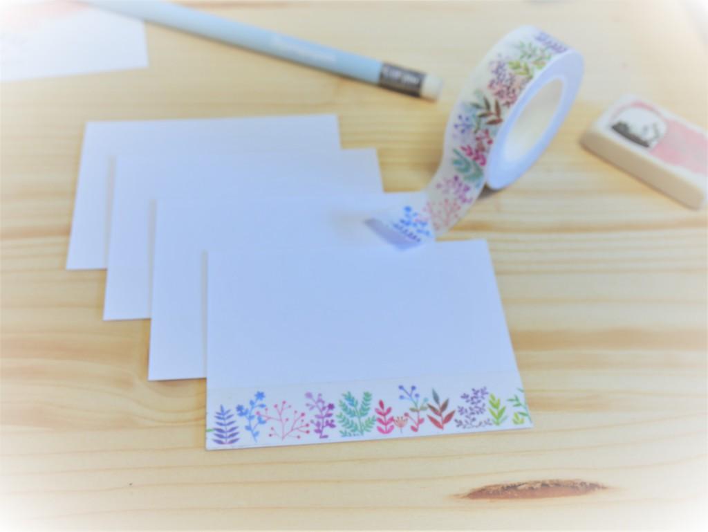 Mini cartes et enveloppes blanches à personnalsier avec Masking tape fleuri