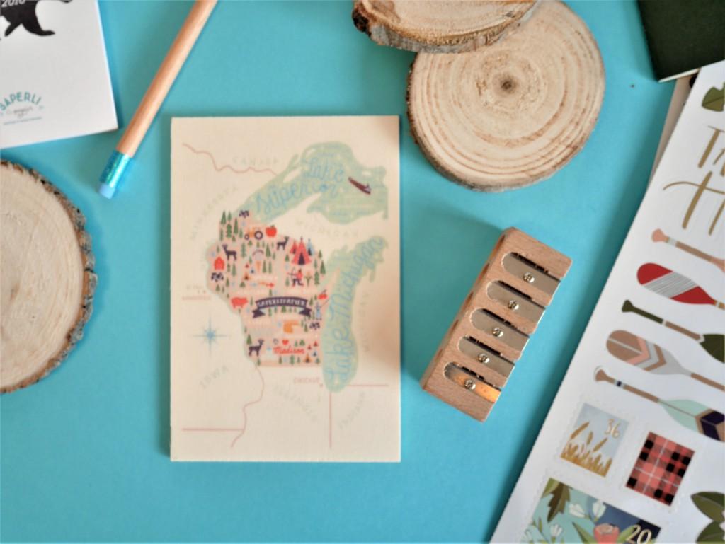 Découvertes la carte table imprimée en France sur bois de peuplierau